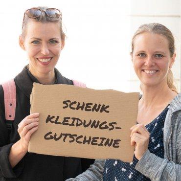 Schick Kleidungs-Gutscheine für die BewohnerInnen unserer Flüchtlingsunterkunft