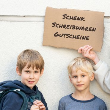 Schick Schreibwaren-Gutscheine für die BewohnerInnen unserer Flüchtlingsunterkunft