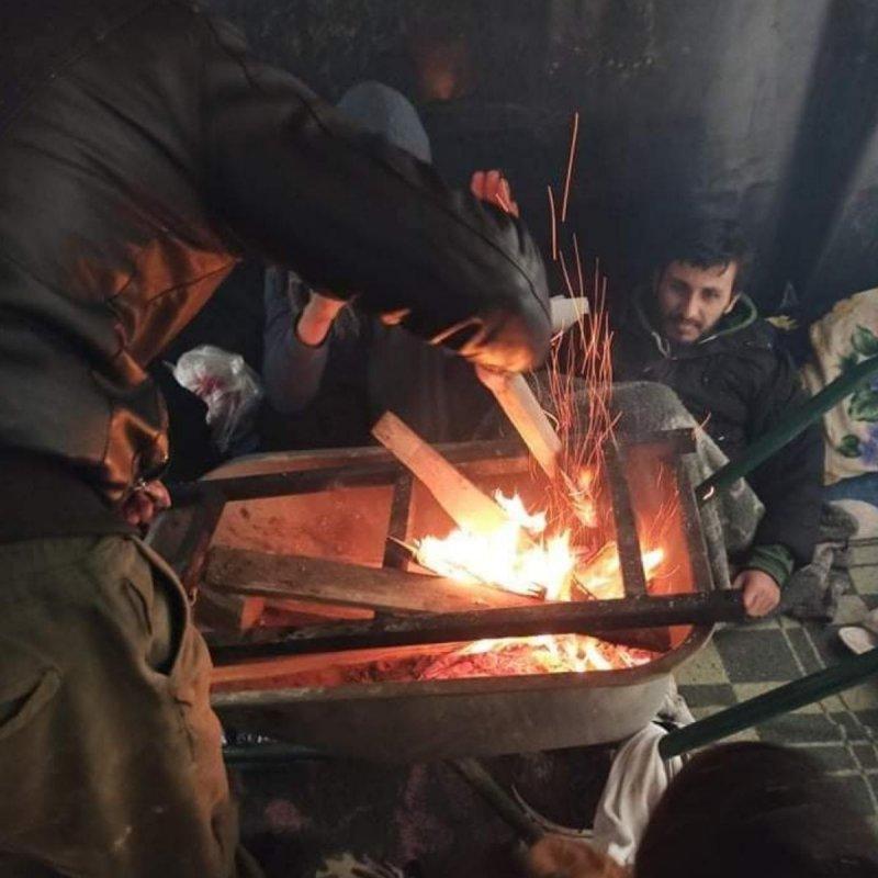 Produkte Spenden | Caritas Wien | Schenk eine warme Winterjacke für obdachlose Flüchtlinge in Bosnien | Caritas Wirhelfen.shop