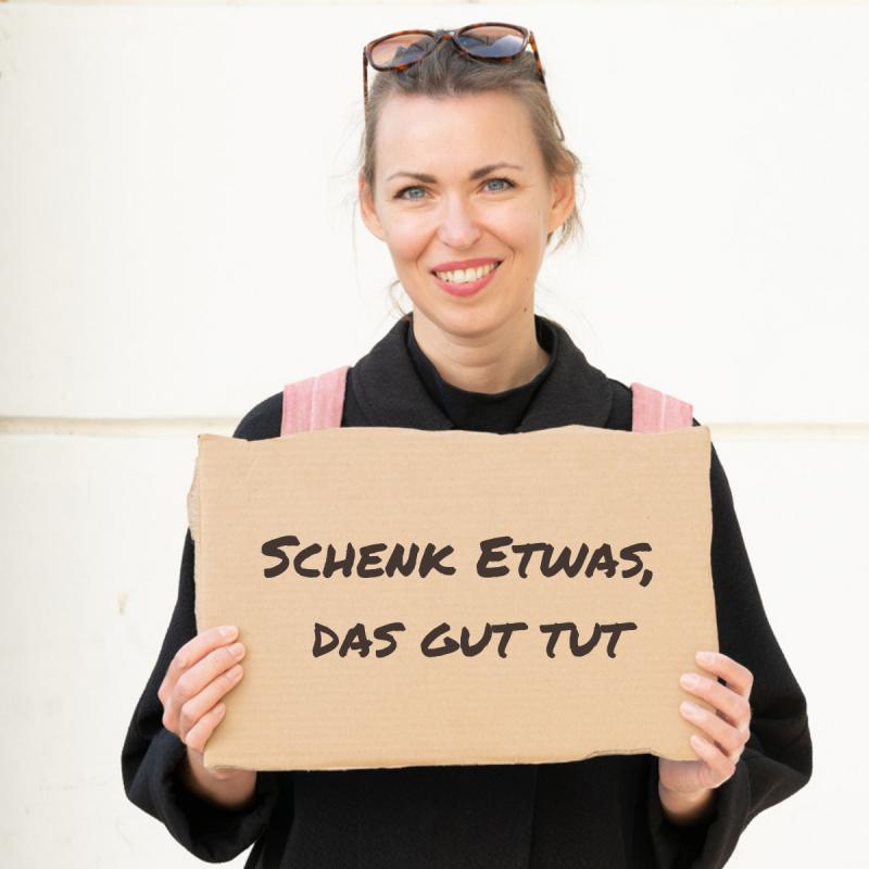 Produkte Spenden | Caritas Wien | Schenk ein Powerpaket für Frauen | Caritas Wirhelfen.shop